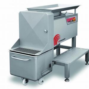 Maquina industrial de cortar carne em cubos
